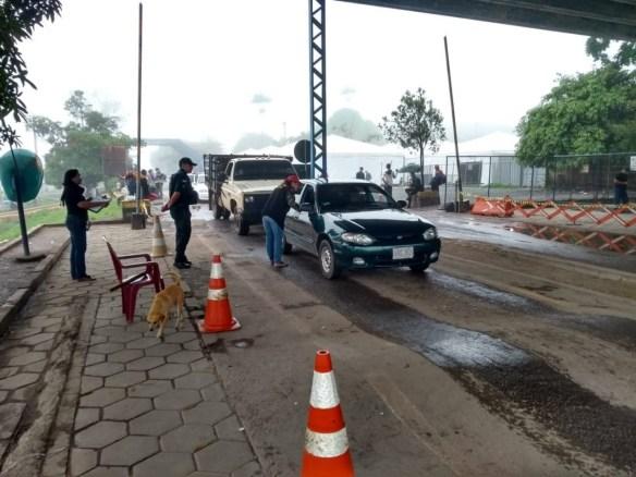 whatsapp image 2019 05 11 at 07.41.45 300x225 - Venezuelanos aproveitam para comprar comida no Brasil após reabertura da fronteira