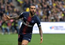 Em post, lateral Daniel Alves anuncia despedida do PSG