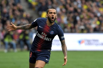 000 1fq4s3 - Em post, lateral Daniel Alves anuncia despedida do PSG