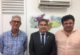 Deputado Lindolfo Pires participa de reunião para criação do Instituto de Estudo e Pesquisa Vale dos Dinossauros