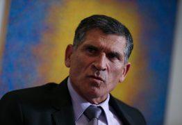 Demitido, general Santos Cruz atira no governo Bolsonaro: 'é um show de besteiras'