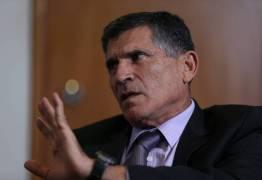 Senadores se surpreendem com demissão de Santos Cruz e temem piora na relação entre governo e Congresso