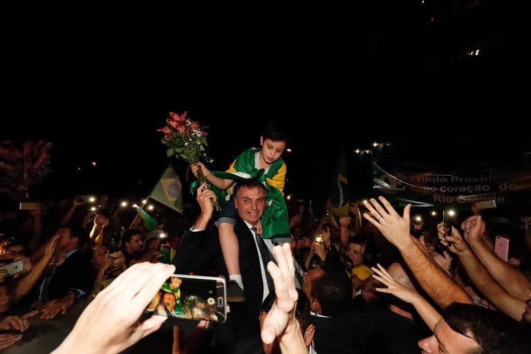 15606477095d05981d956f2 1560647709 3x2 md - Bolsonaro admite que quer armar a população para defender seu governo e impedir golpe de Estado