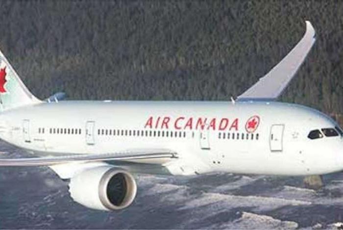 1 aircanada 11711485 - Passageira dorme durante voo e acorda presa no avião