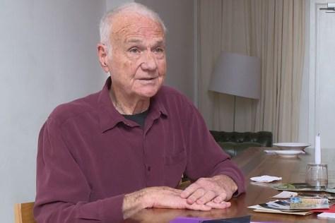 20190622norm self pornstar ator porno retired priest padre aposentado 85 anos 2 300x200 - Padre de 85 anos vira ator pornô após se aposenar