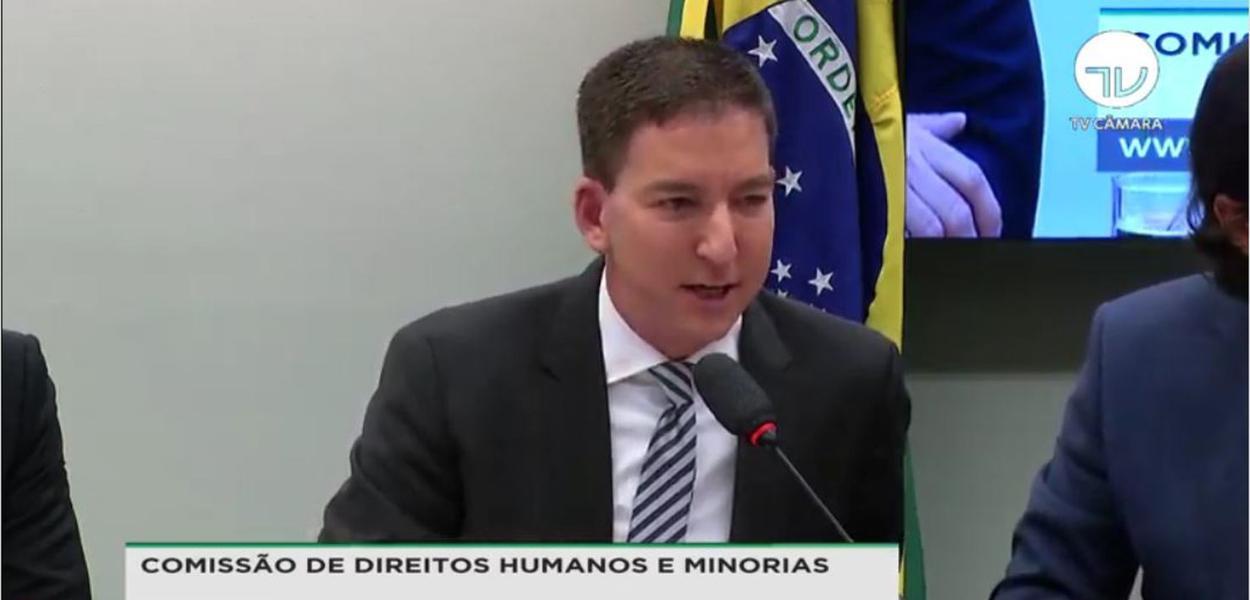 'Não vamos entregar material para perícia da PF controlada por Moro', diz Greenwald em audiência na Câmara