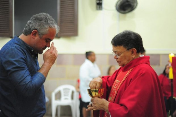 62306505 1309671265853427 5082346796924010496 n 620x412 - Prefeito Renato Mendes participa junto com moradores dos festejos de Santo Antônio, Padroeiro de Mata Redonda