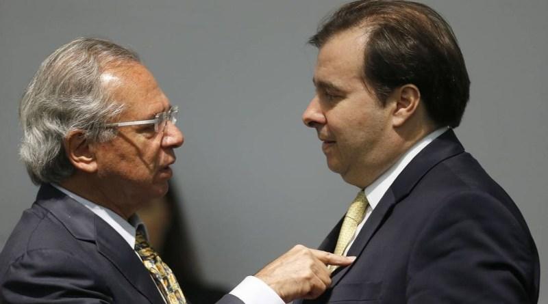 """80479233 BSBBrasiliaBrasil02 01 2019PACerimonia de transmissao de cargo no ministeri - Maia diz que Guedes é injusto e chama governo Bolsonaro de """"usina de crises"""""""