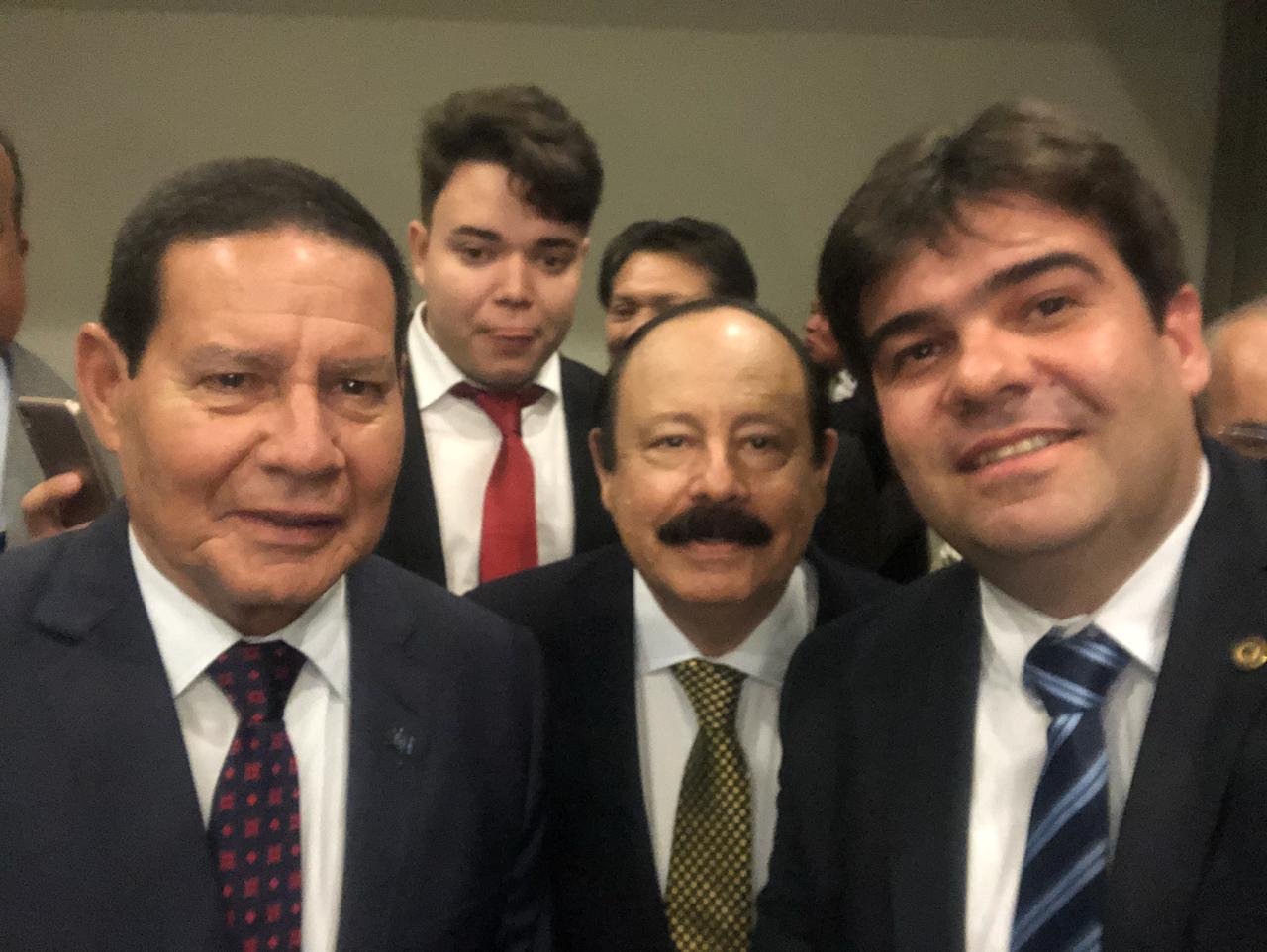 8be2689e d670 40b9 b72b 5cf577fc5fe0 - Eduardo participa de reunião do PRTB com vice-presidente da República, General Hamilton Mourão