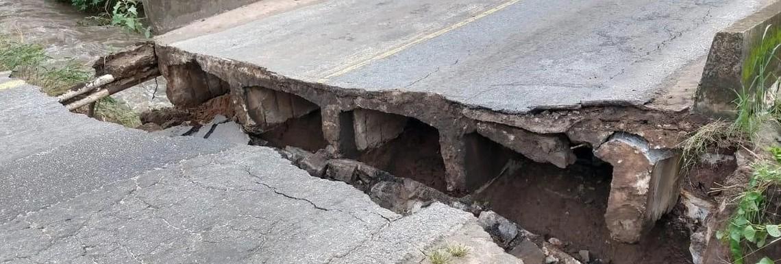 Capturar 39 - ESTRUTURA: Ponte que liga Santa Rita a Cruz do Espírito Santo rompe após fortes chuvas