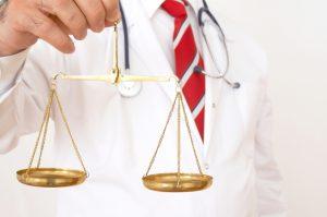 Estudo revela situação da judicialização da saúde no Brasil 300x199 - 'O QUE É MAIS IMPORTANTE, A SAÚDE HUMANA OU AS CUSTAS PROCESSUAIS?': procurador questiona postura de magistrados em processos movidos por pacientes