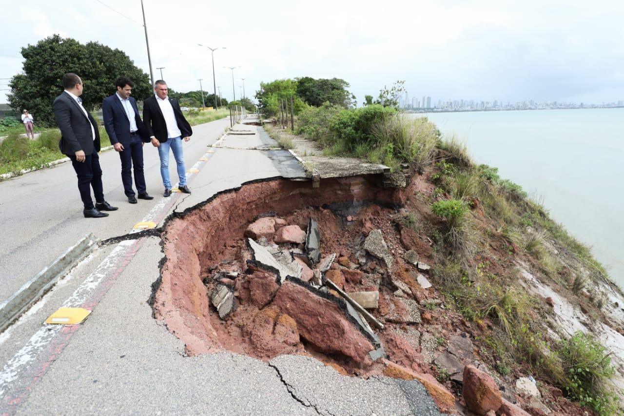 WhatsApp Image 2019 06 10 at 12.25.30 1 - Ministro do Turismo visita Barreira do Cabo Branco e garante recursos para recuperação