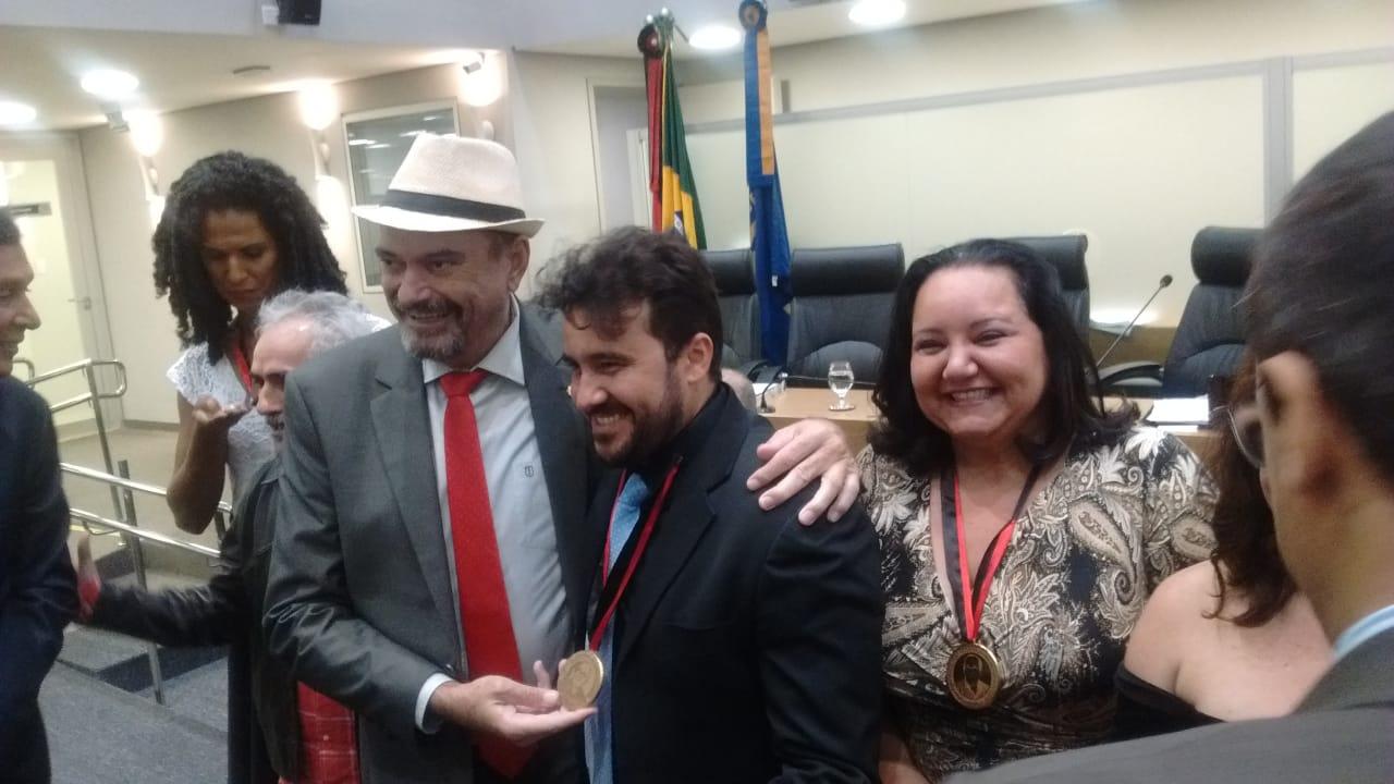 WhatsApp Image 2019 06 13 at 00.09.47 - HOMENAGEM: ALPB concede Medalha Ednaldo do Egito a atores paraibanos que atuaram no filme Bacurau já premiado em Cannes