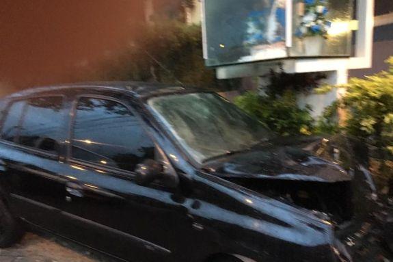 acidente   sequestro   carro jp 300x200 - Motorista de aplicativo é feito refém e capota carro em João Pessoa