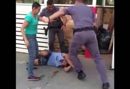 Vídeo mostra policiais agredindo casal de carroceiros na Zona Oeste de SP; PMs são afastados – ASSISTA
