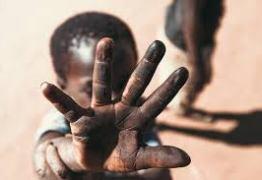 Dia Mundial de Combate ao Trabalho Infantil tem panfletagem e atividades com crianças e adolescentes na orla de João Pessoa