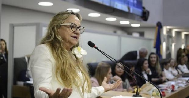 dra. paula 1 - Projeto de Drª Paula que cria Programa de Assistência aos Portadores de Doença Pulmonar Obstrutiva Crônica é aprovado na ALPB