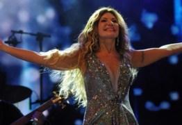 """Elba recebe homenagens no """"Fantástico"""" pelos 40 anos de carreira"""