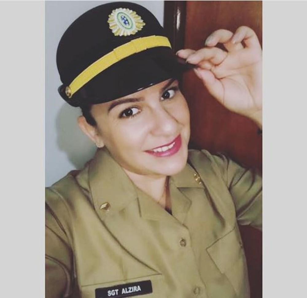 falsa sargento - 'BATIAM CONTINÊNCIA PARA ELA': mulher é presa ao fingir ser sargento do Exército e cobrar até R$ 30 mil de vítimas