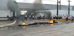 garagens unitrans - GREVE GERAL: Manifestantes bloqueiam pontos em João Pessoa na manhã desta sexta-feira
