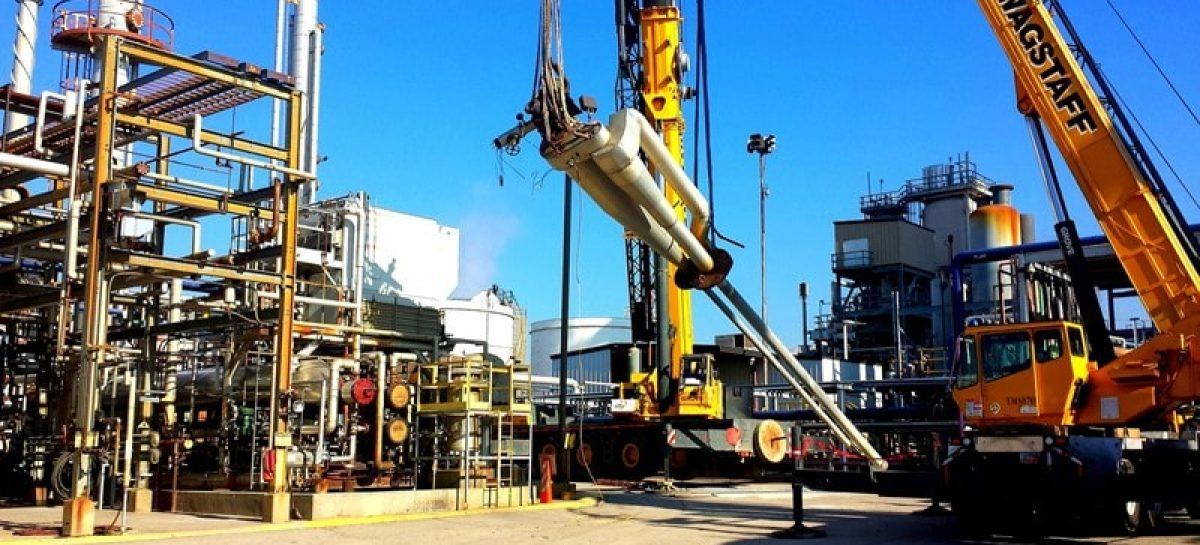 oil rig 514035 1920 min 1200x545 c 1 - Taxa de investimento produtivo no Brasil é a menor em 50 anos