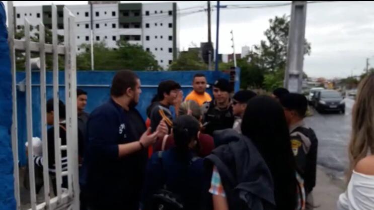pm - PUNIÇÃO:João Azevedo manda afastar Policial que agrediu estudante durante protesto; confira o momento da agressão