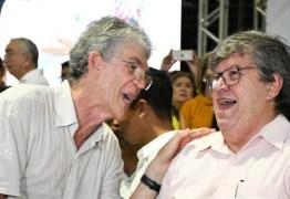 'OPOSIÇÃO ESPALHA FOFOCAS': João Azevedo e Ricardo Coutinho chegam juntos à plenária do ODE em João Pessoa – VEJA VÍDEO