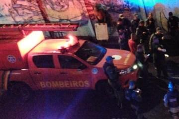 tunelpina2 - Após entrar em túnel alagado, carro afunda e deixa uma pessoa morta
