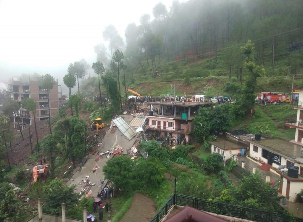 000 1is0r2 1024x750 - Inundações na Índia, Nepal e Bangladesh deixam mais de 100 mortos e milhões de desalojados