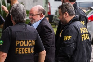 15313485035b4686177d21c 1531348503 3x2 lg 300x200 - TESTEMUNHA: Não menti nem fui coagido a incriminar Lula, diz empreiteiro da OAS