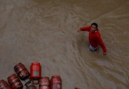 Inundações na Índia, Nepal e Bangladesh deixam mais de 100 mortos e milhões de desalojados
