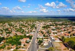 DOMÍNIO DA IGREJA: Santo 'São Sebastião' é dono de metade das terras de cidade mineira