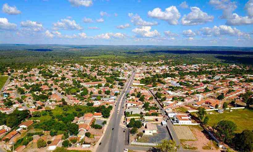 20190729081756398089a - DOMÍNIO DA IGREJA: Santo 'São Sebastião' é dono de metade das terras de cidade mineira