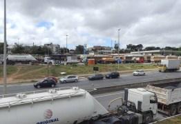 Após princípio de greve dos caminhoneiros, governo suspende tabela de fretes