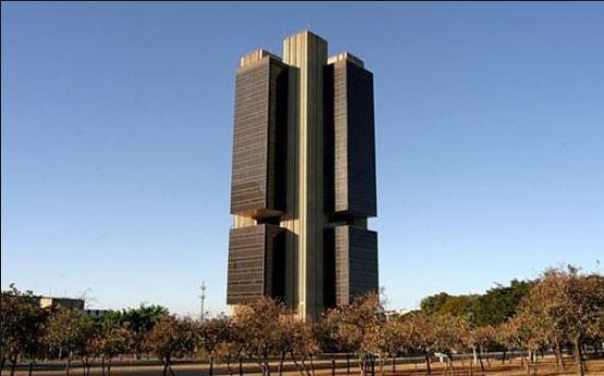 Atividade econômica volta a subir em maio, indica Banco Central