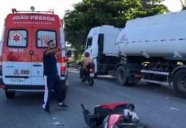 Acidente envolvendo três motos deixa um homem ferido em estado grave em João Pessoa