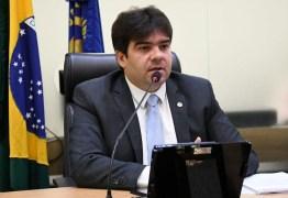 Projeto de Eduardo prevê capacitação de profissionais para atendimento a pacientes com doenças raras