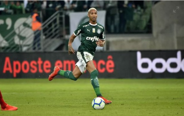Esporte 300x189 - Palmeiras vence o Inter e larga na frente na disputa para semifinal da Copa do Brasil
