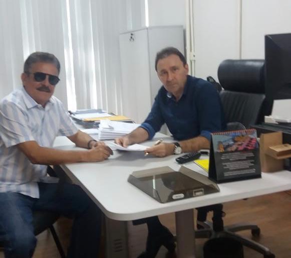 WhatsApp Image 2019 07 01 at 18.03.20 - Em reunião com secretário, Tião Gomes solicita ao governo conclusão das obras do Matadouro Regional no Brejo paraibano