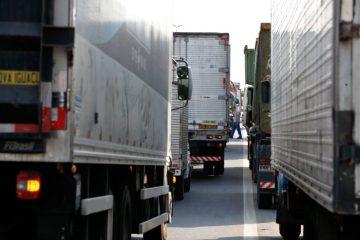 caminhao tania rego abr 1024x682 - Governo suspende tabela de fretes rodoviários após ameaça de greve de caminhoneiros