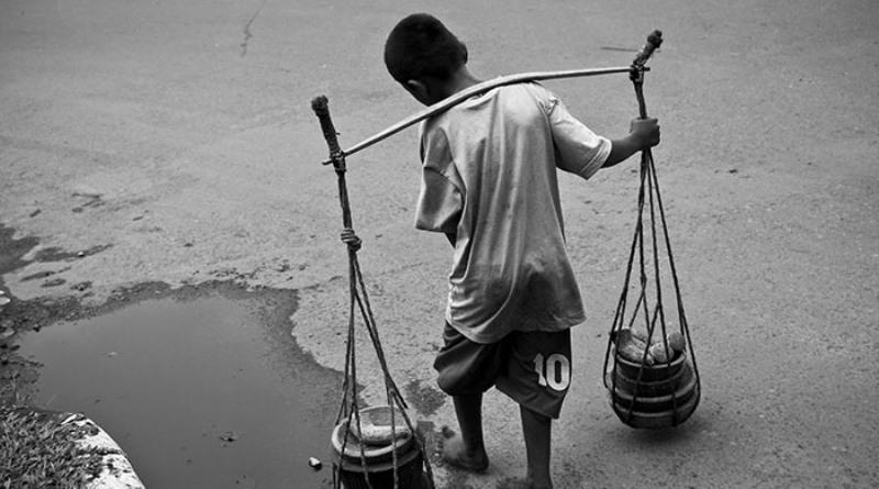 criança trabalhando - A EXTINÇÃO DAS CRIANÇAS: Bolsonaro está na contramão da civilização - Por Estevam Dedalus