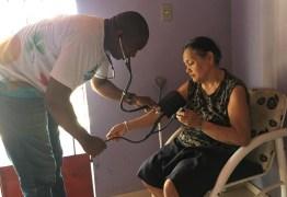 Cubano desempregado no Piauí tenta vaga de gari, mas é recusado por ser médico