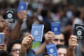 desemprego 1 - População desempregada sobe para 12,4 milhões em julho, diz IBGE
