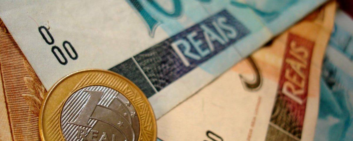 """dinheiro 1200x480 - Os Ben$ dos políticos: do deputado da loteria à """"vaquinha"""" de Erundina"""