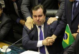 'Rodrigo, Rodrigo', gritam deputados e presidente da Câmara chora – VEJA VÍDEO
