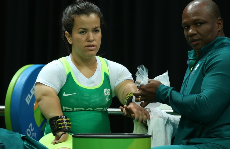mariana - Brasileira luta por medalha no Mundial Paralímpico de Halterofilismo