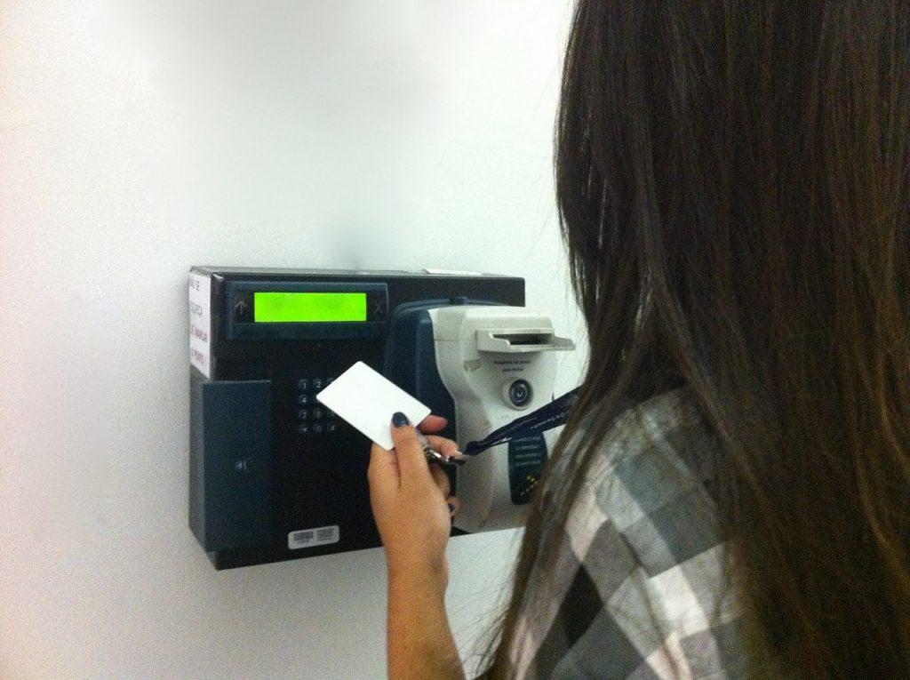 ponto eletronico 1024x765 - Governo federal vai implantar ponto eletrônico para 410 mil servidores
