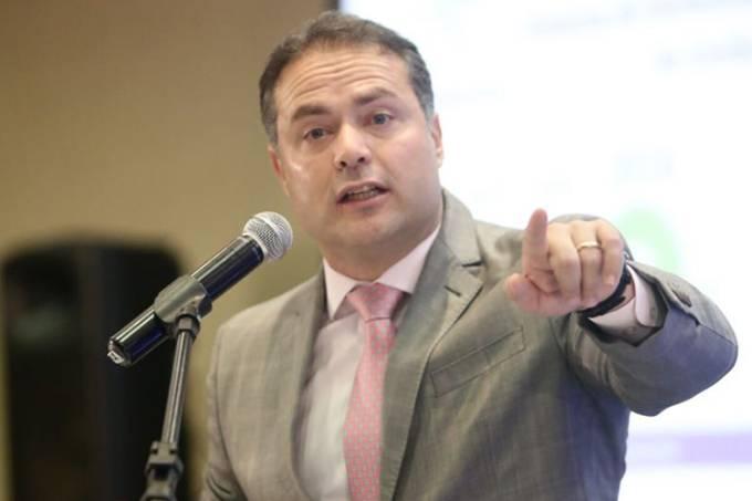 'Visão pequena e mesquinha', diz governador do Alagoas após fala de Bolsonaro sobre o NE