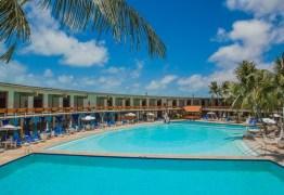 PAGAMENTOS REPARTIDOS: Funcionários do Hotel Tambaú reclamam de três meses de atrasos salariais