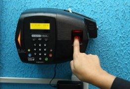 ECONOMIA E CONTROLE: Governo Federal começa a implementar ponto eletrônico para servidores públicos